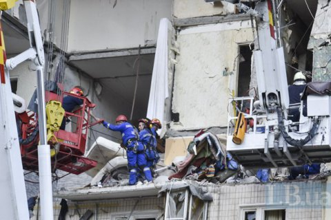 Секція будинку з 40 квартир, який вибухнув на Позняках, відновленню не підлягає, - МВС