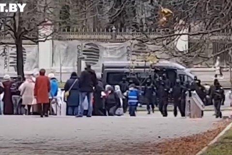 """У Мінську затримали понад 30 учасників """"Маршу медиків"""""""