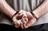 На военном аэродроме Ивано-Франковска задержали пьяного мужчину без документов