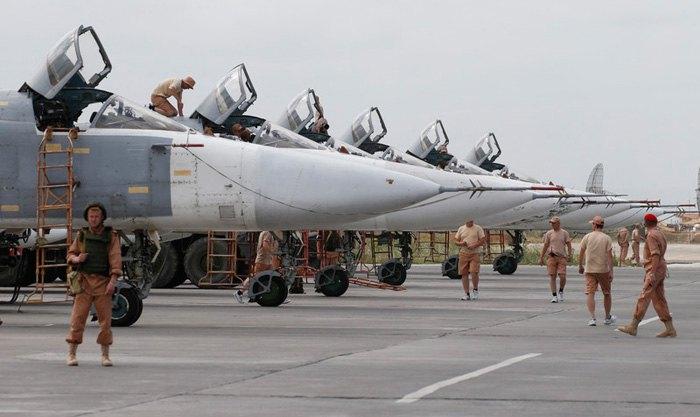 Российская военная авиация на базе Хмеймим в провинции Латакия, Сирия.