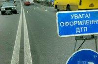 На улице Гетьмана в Киеве два автомобиля сбили насмерть пешехода-нарушителя