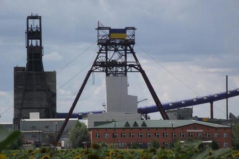Шість гірників отримали опіки через вибух на шахті в Донецькій області (оновлено)