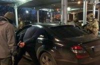 В Николаеве задержали банду, ежемесячно сбывавшую по 100 тыс. фальшивых долларов