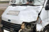 Под Киевом водитель микроавтобуса сбил насмерть женщину на пешеходном переходе и скрылся