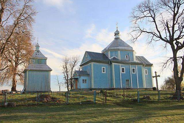 Церковь Святой Параскевии (1777 года постройки) в селе Радошивка Тернопольской области