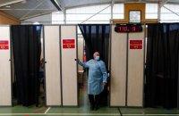 У Франції майже мільйон людей записалися на щеплення відразу після звернення Макрона