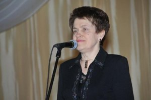 Людмила Янукович вручила дипломы будущим священникам