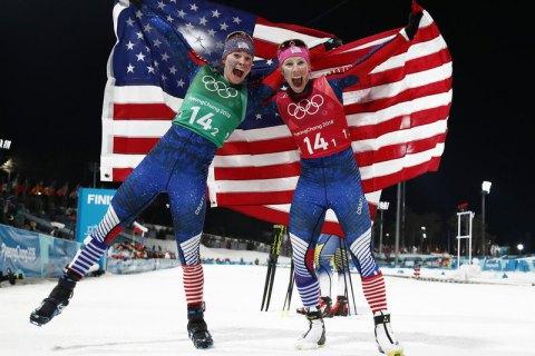 Лыжницы изсоедененных штатов выиграли командный спринт наОлимпиаде