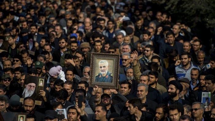 Иранцы вышли на митинг после гибели генерала Касема Сулеймани