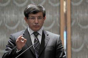 Глава МИД Турции обсудил ситуацию в Крыму с Генсеком ООН