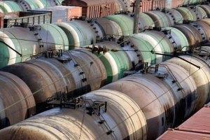Росія вдвічі скоротила постачання нафти в Україну
