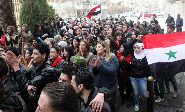 Акция в поддержку Башара Асада в Дамаске