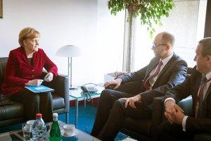 Яценюк уехал в Германию на встречу с Меркель