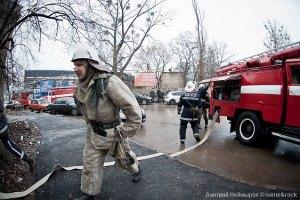 У центрі Києва впав і загорівся ліфт