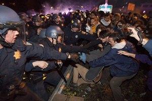 У Фергюсоні на акції протесту поранено двох поліцейських