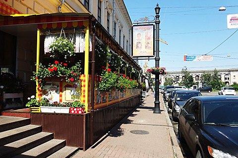 Київські ресторатори платитимуть лише 1 гривню за літні майданчики до кінця року