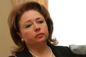 Карпачева просит Януковича помочь больным женщинам