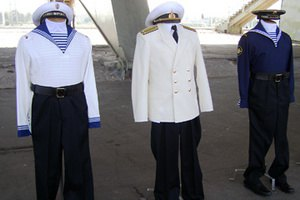 Российские моряки отказываются от формы Юдашкина, боясь утонуть