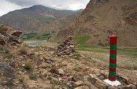В Таджикистане микроавтобус сорвался с 50-метровой высоты, погибли 11 человек