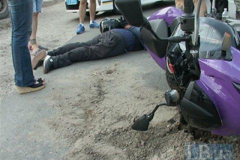 У Києві спіймали автозлодіїв на мотоциклі з 30 пограбуваннями на рахунку