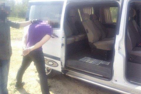 Обложил данью перевозчиков: вЖитомирской области подполковника милиции задержали навзятке