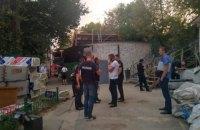 Неизвестные ранили из травмата  охранника рынка в Печерском районе Киева