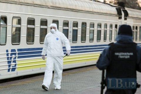 """""""Укрзалізниця"""" хоче відкрити на вокзалах пункти експрес-тестування на COVID-19"""