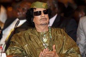 """Каддафи назвал Саркози """"душевнобольным"""""""