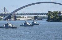 Моряки провели на Дніпрі тренування до параду у День Незалежності