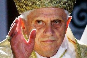 """Правительство Германии """"тронуто"""" отставкой Папы Римского"""