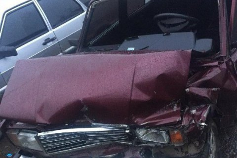 В результате столкновения двух авто в Закарпатье один человек в реанимации