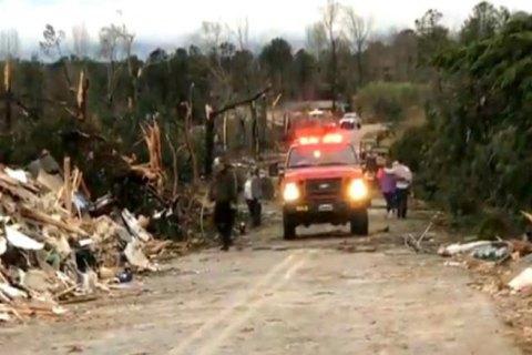 В американском штате Алабама из-за торнадо погибли 23 человека