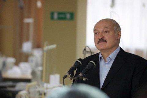 """Лукашенко посоветовал безработным белорусам устроиться на """"нелюбимую"""" работу"""