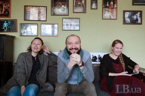 http://ukr.lb.ua/culture/2019/11/25/443171_dahabraha_mi_lishe_persha_shodinka.html