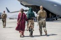 США з союзниками за десять днів евакуювали з Афганістану 70 тисяч людей