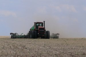 Рада продлила мораторий на продажу сельхозземель до 2017 года