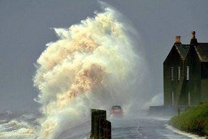 На Великобританию обрушился ураган «Катрин»