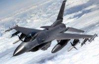 НАТО з травня потроїть число винищувачів над країнами Балтії