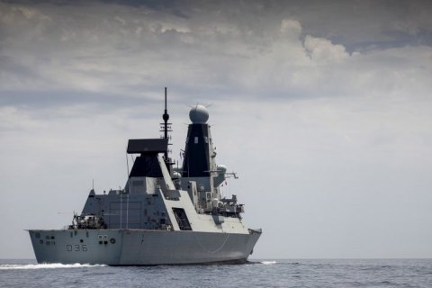 Росія заявила про відкриття попереджувального вогню по британському кораблю біля Криму, в Лондоні це спростовують (оновлено)
