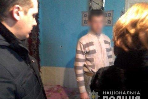 В Івано-Франківській області вітчим побив до смерті 5-місячне немовля