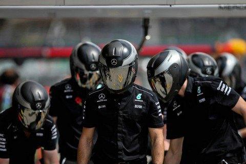 Членов команды Mercedes ограбили перед гонкой Формулы-1 в Бразилии