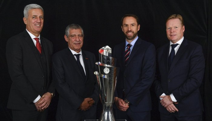 Зліва направо: Володимир Петкович (Швейцарія), Фернанду Сантуш (Португалія), Гарет Саутгейт (Англія) і Роналд Куман (Нідерланди)