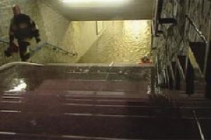 В Варшаве ливни затопили метро