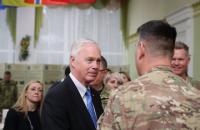 """Американский сенатор призвал Путина """"отозвать псов войны"""" с Донбасса"""