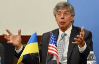 Посол США: у Зеленского считают Порошенко виновным в последствиях войны на Донбассе
