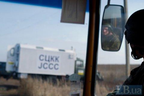 За сутки на Донбассе произошло два обстрела, ранен военный