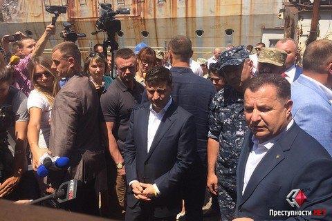 """Міноборони хоче демілітаризувати крейсер """"Україна"""" і поміняти підрядника будівництва корветів"""