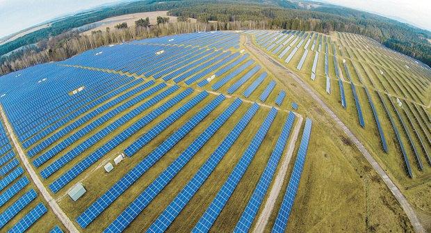 Самая большая солнечная электростанция в Чехии (Ральско), 38.3 МВтч. Фото: www.reflex.cz