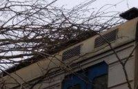Шквальный ветер привел к перебоям в железнодорожном сообщении на западе Украины
