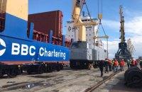"""В Україну прибули ще сім локомотивів General Electric """"Тризуб"""""""